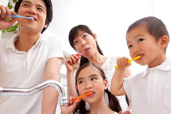 乳歯が生え始めたら、当院で治療を受けて頂くことができます